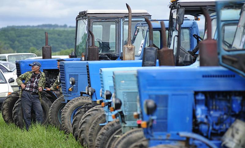 Управление тракторной техникой