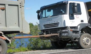 Буксировка грузового автомобиля