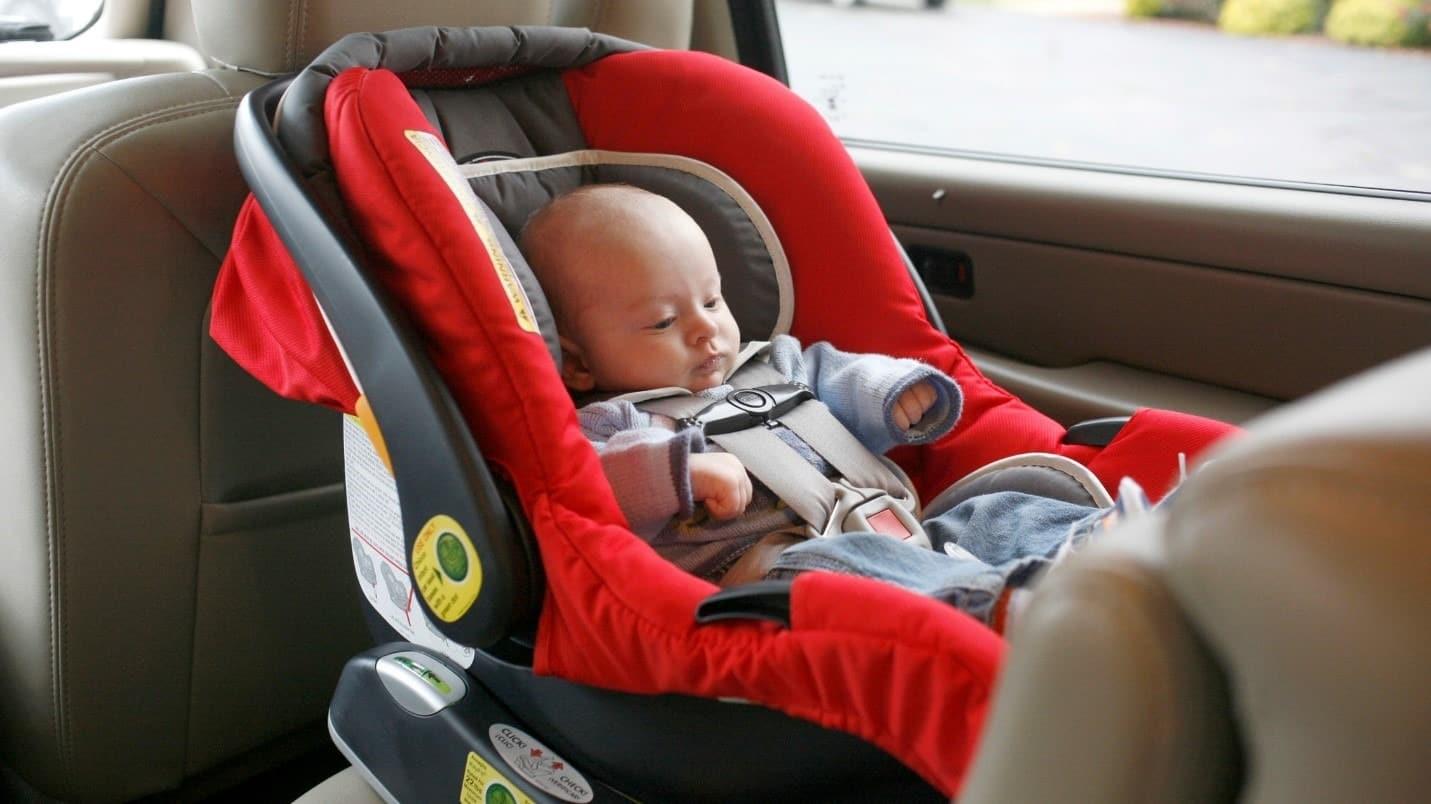 Перевозка детей до года в автомобиле